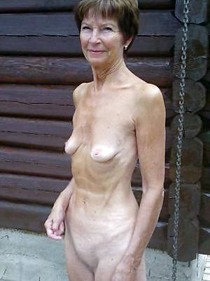 Amateur houewives over 60 free