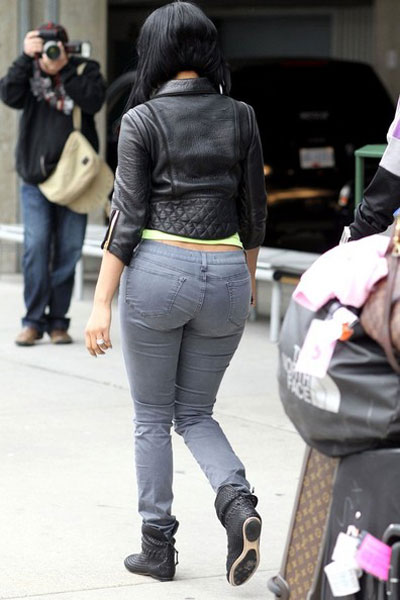 All that ass in those jeans