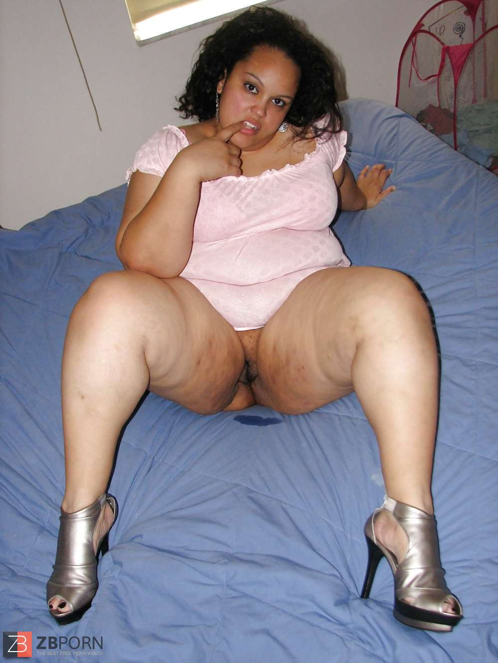 Free nude pics of thick chicks