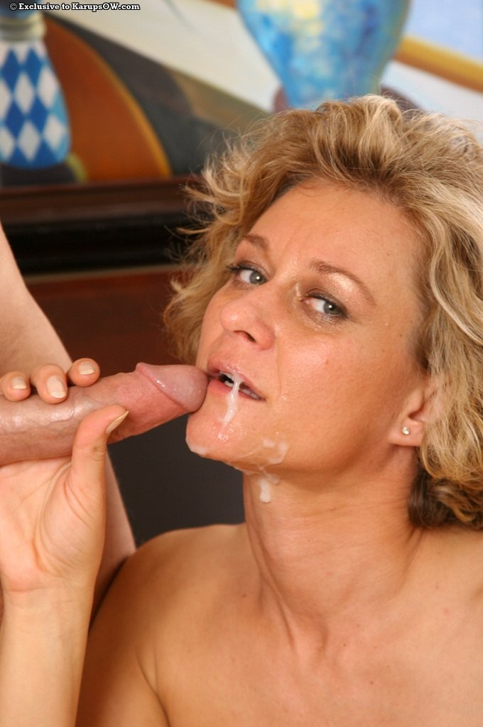 Performing oral sex on a man