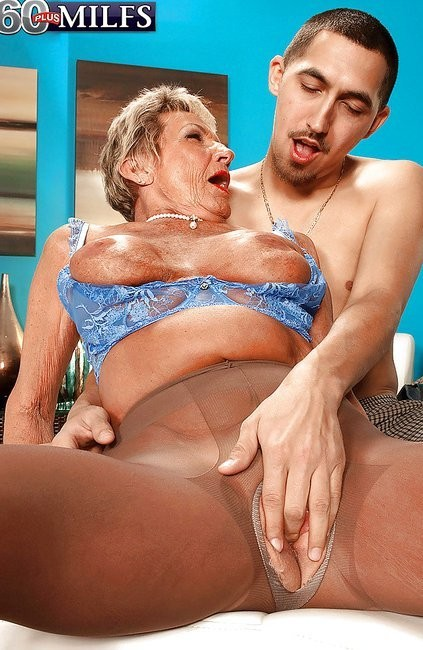 Mom in cest porn hd