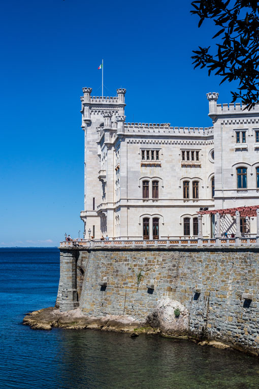 Want to have some drinks in trieste